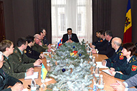 Defense Minister Discusses With Defense Attaches